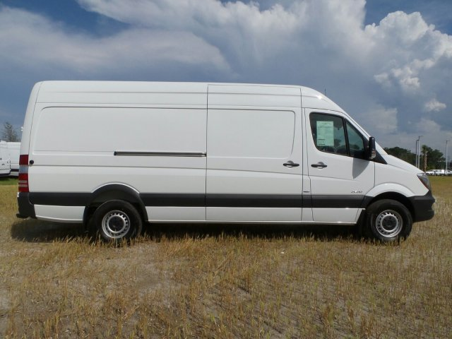 2015 mercedes benz sprinter cargo vans rwd 2500 170 rwd for Mercedes benz 2500 cargo van
